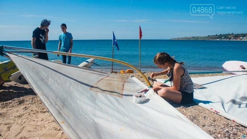 В Черноморске открыли летний сезон соревнованиями по виндсерфингу (фото), фото-1