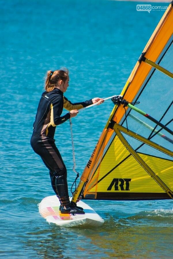 В Черноморске открыли летний сезон соревнованиями по виндсерфингу (фото), фото-11