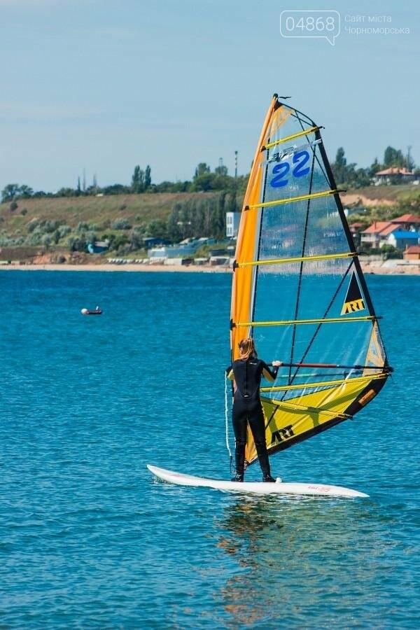В Черноморске открыли летний сезон соревнованиями по виндсерфингу (фото), фото-12