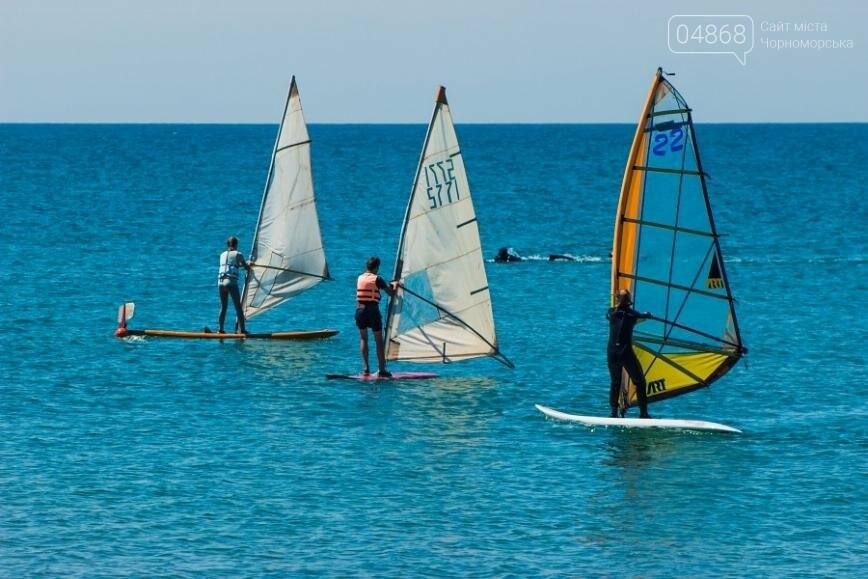 В Черноморске открыли летний сезон соревнованиями по виндсерфингу (фото), фото-13