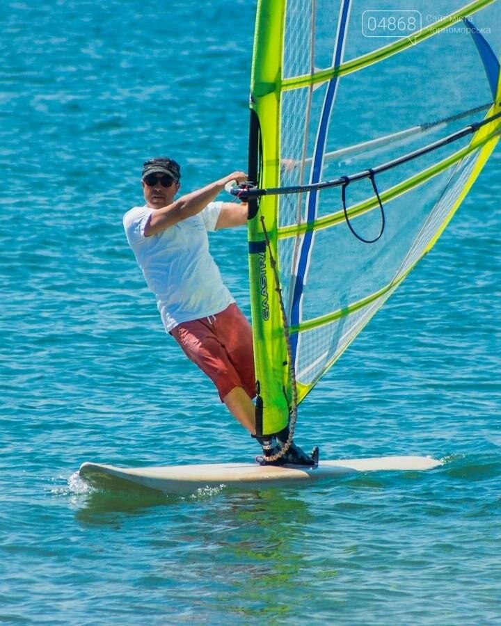 В Черноморске открыли летний сезон соревнованиями по виндсерфингу (фото), фото-14