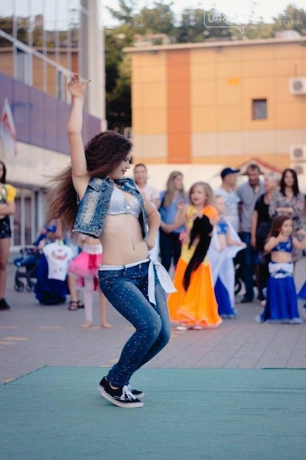 Под открытым небом у дворца спорта «Юность» выступил танцевальный клуб «Ultra-Dance», фото-8