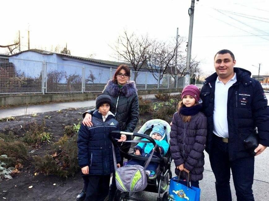 Всем миром: неравнодушные общественники Черноморска помогают незащищённым жителям города (фото), фото-5