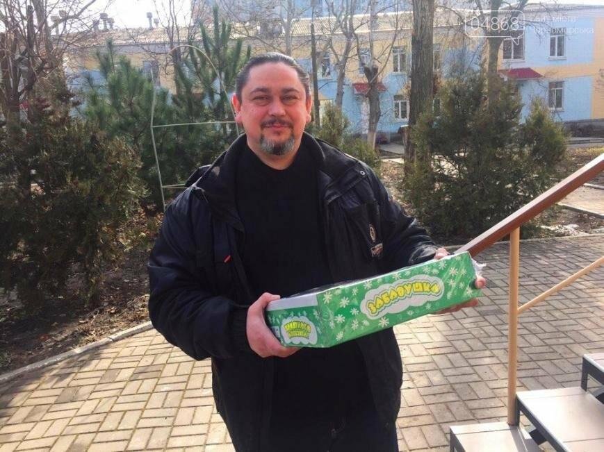 Всем миром: неравнодушные общественники Черноморска помогают незащищённым жителям города (фото), фото-14