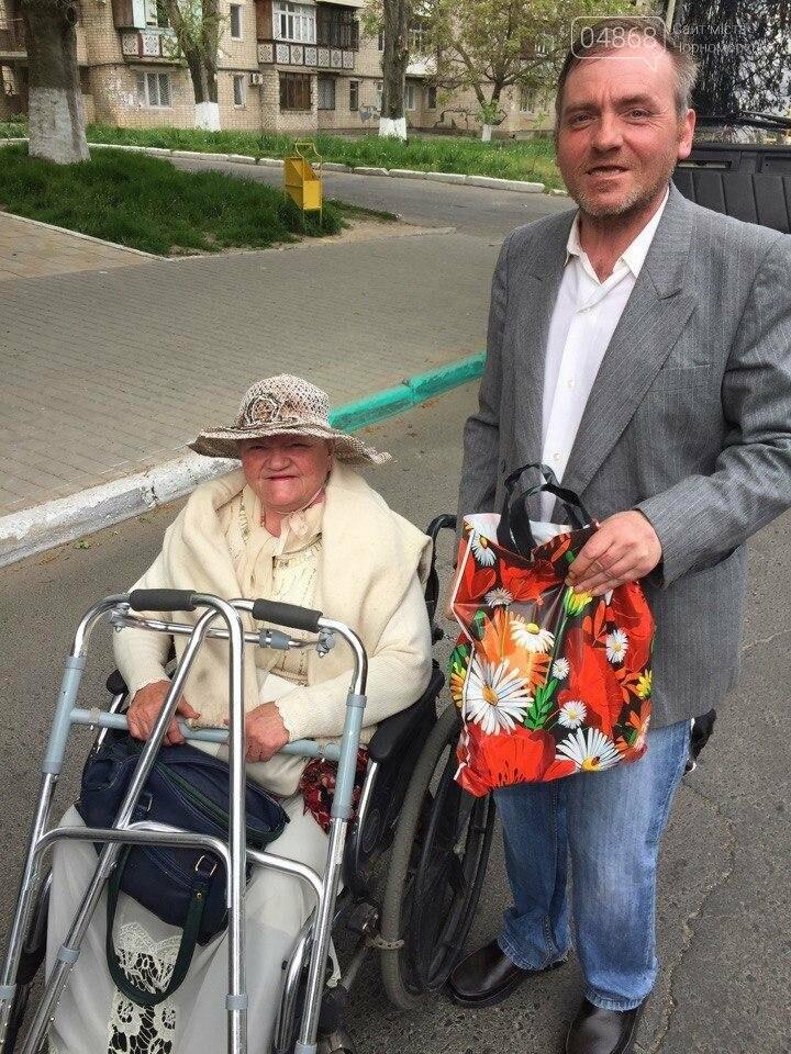 Всем миром: неравнодушные общественники Черноморска помогают незащищённым жителям города (фото), фото-15