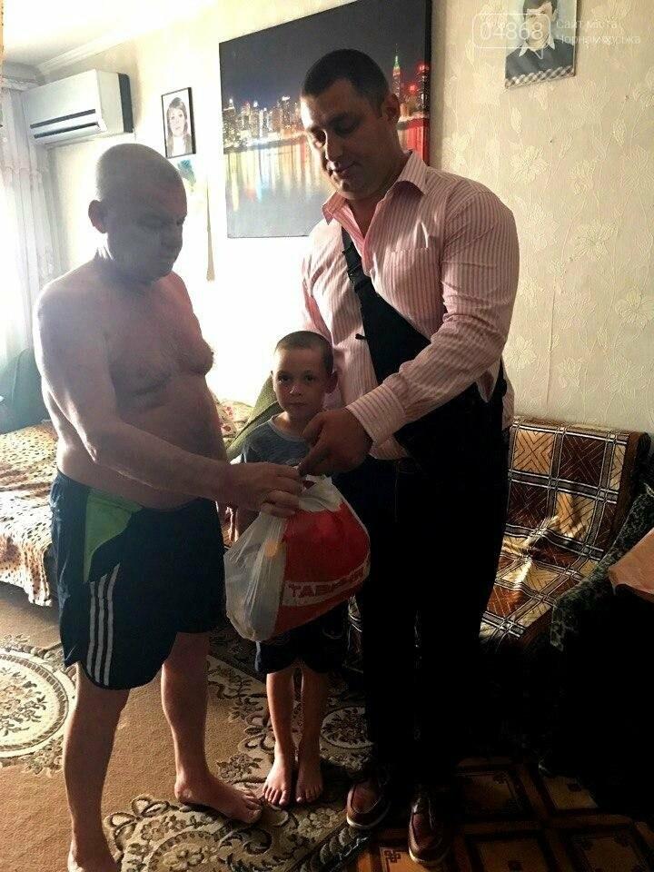 Всем миром: неравнодушные общественники Черноморска помогают незащищённым жителям города (фото), фото-10