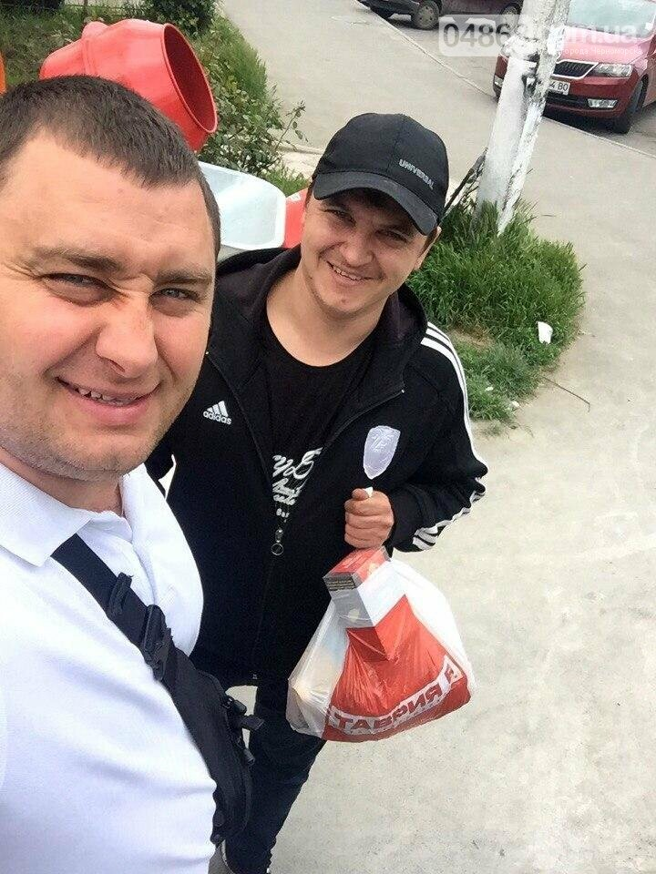 Всем миром: неравнодушные общественники Черноморска помогают незащищённым жителям города (фото), фото-1