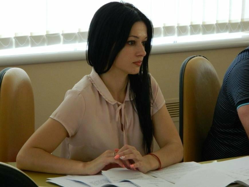 В Черноморске на профильной комиссии утверждена социальная программа обеспечения жильем (фото), фото-3