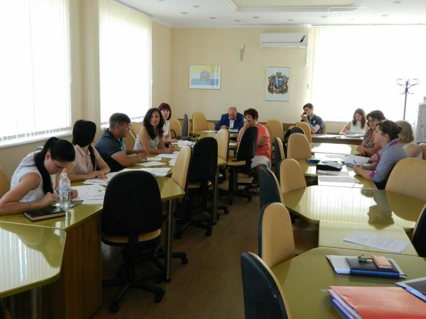 В Черноморске на профильной комиссии утверждена социальная программа обеспечения жильем (фото), фото-5