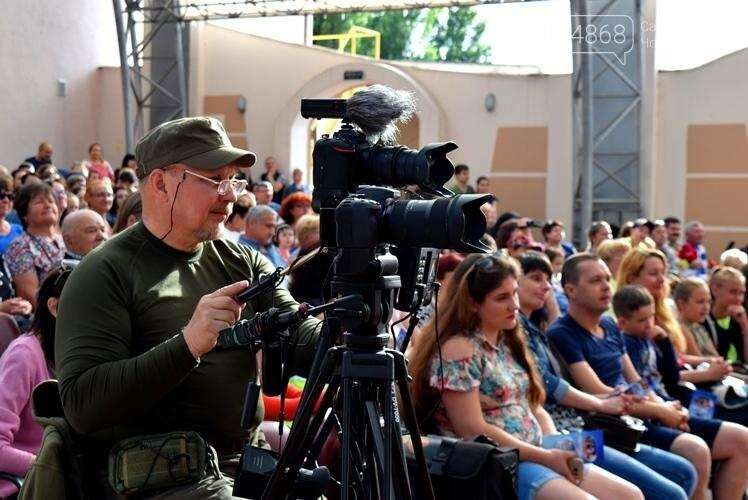 «Если душа родилась крылатой...»: в Черноморске прошёл яркий концерт танцевального коллектива «Радость», фото-12