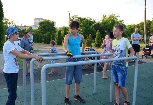 Сегодня в Черноморске торжественно откроют спортивный комплекс для занятий WorkOut, фото-3