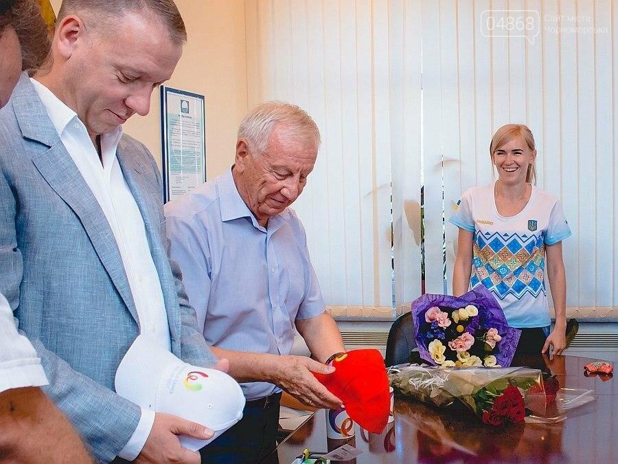 Черноморские власти поздравили спортсменок с весомыми достижениями (фото), фото-1