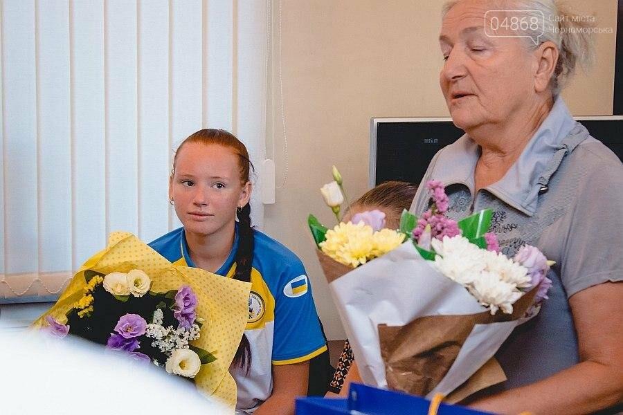 Черноморские власти поздравили спортсменок с весомыми достижениями (фото), фото-13