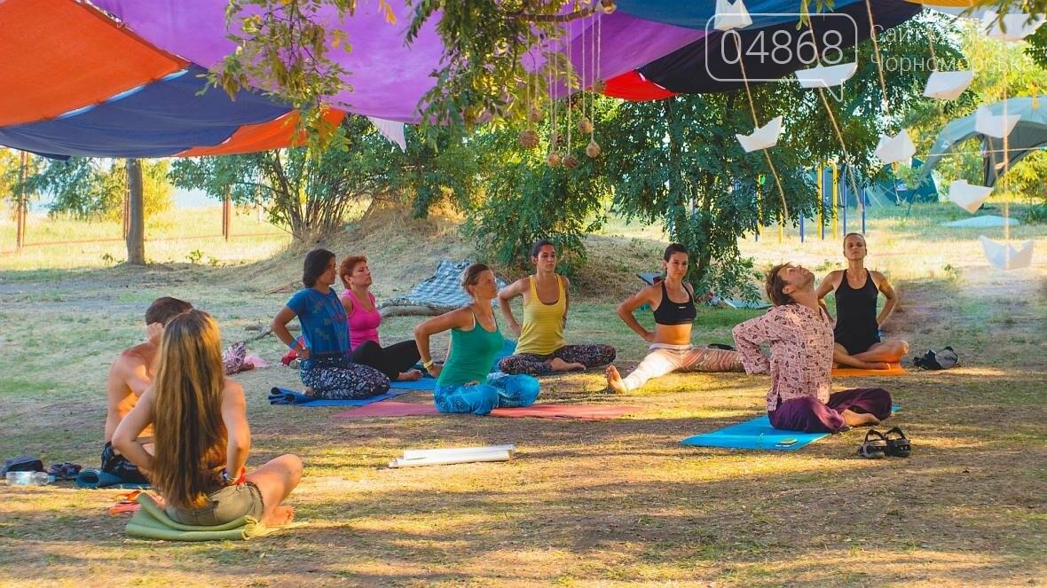 Более 400 участников собрал Йога Фестиваль в Черноморске (фото), фото-7