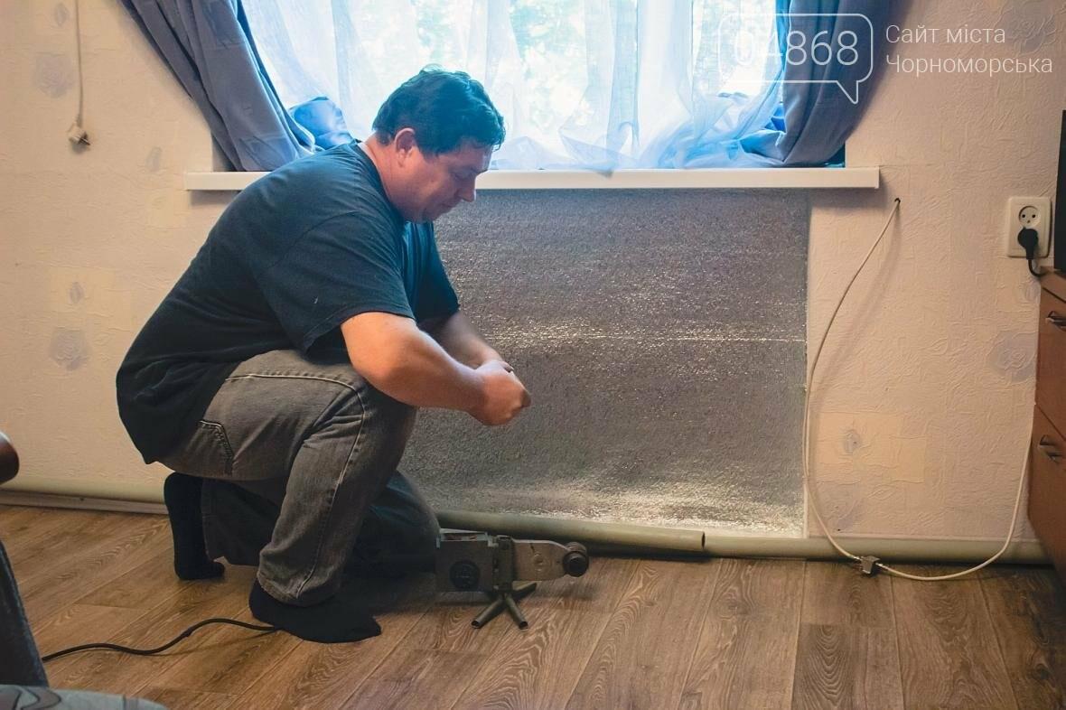 Специалисты КП «ГУЖКХ» производят реконструкцию системы отопления (фото), фото-3