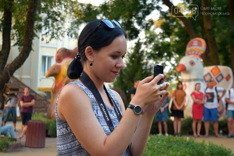 На два часа сквер у Дворца культуры Черноморска превратился в «Музыкальный дворик», фото-6