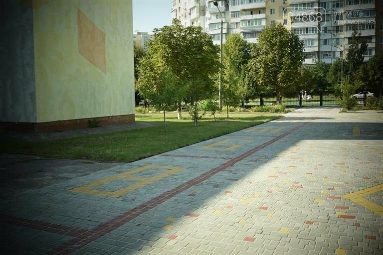 Территория 7 школы Черноморска преобразилась, фото-2