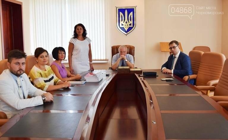 В Черноморске поздравили будущих «светил медицины» (фото), фото-3