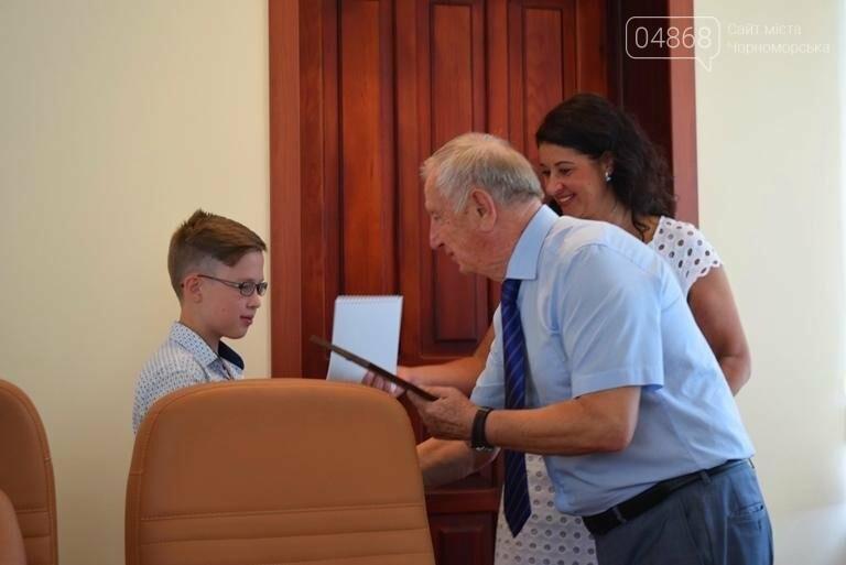 В Черноморске поздравили будущих «светил медицины» (фото), фото-8