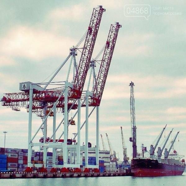 В Рыбном порту Черноморска погиб докер-механизатор, фото-1