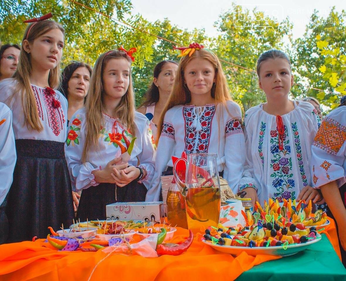 Как прошёл День цветов и даров природы в Черноморске (фото), фото-15