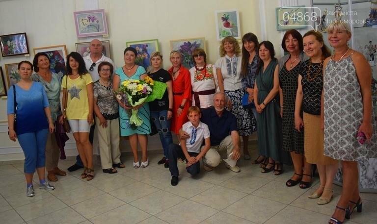 Ко Дню цветов в музее Черноморска расцвели цветы художницы Натальи Видовой, фото-8