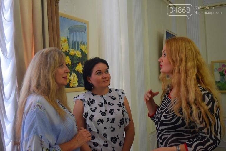 Ко Дню цветов в музее Черноморска расцвели цветы художницы Натальи Видовой, фото-12