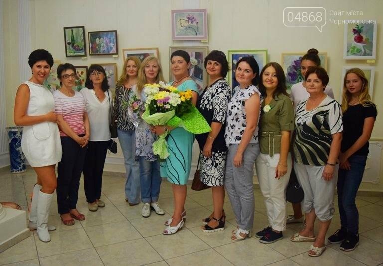 Ко Дню цветов в музее Черноморска расцвели цветы художницы Натальи Видовой, фото-10