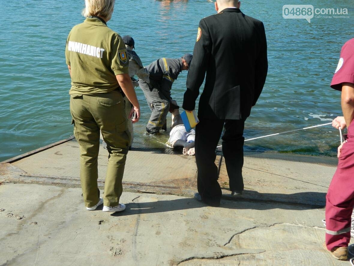 """Вблизи Черноморского """"Яхт-клуба"""" обнаружено тело утопленника (фото), фото-5"""