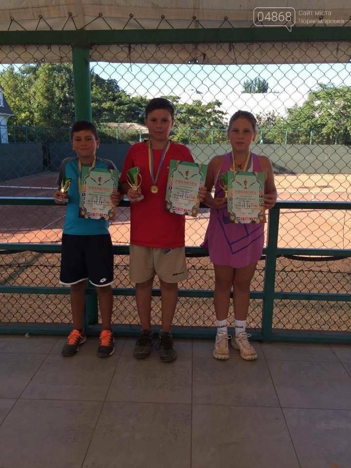 В Черноморском теннисном клубе прошел турнир среди его воспитанников, фото-2