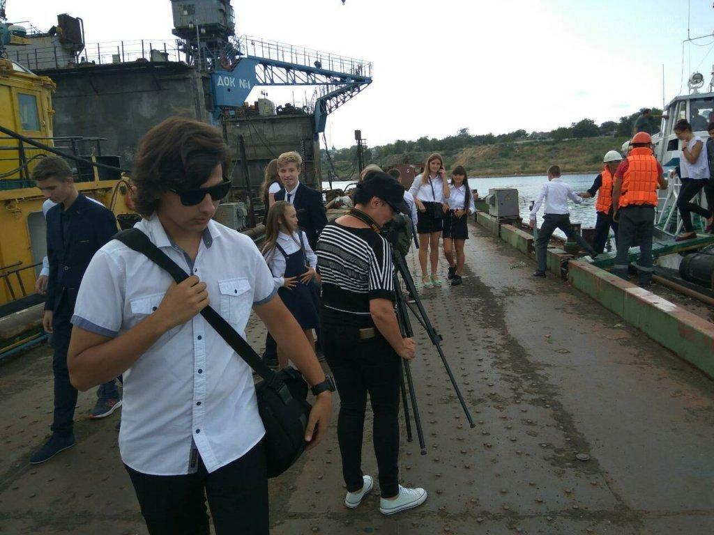 Черноморским школьникам провели экскурсию по акватории порта, фото-5