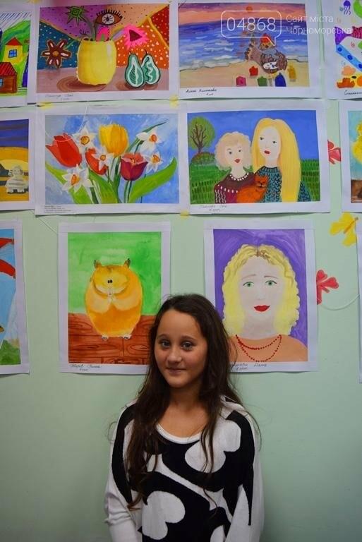 100 детских рисунков: в Черноморске открылась выставка «Краски жизни» (фото), фото-15