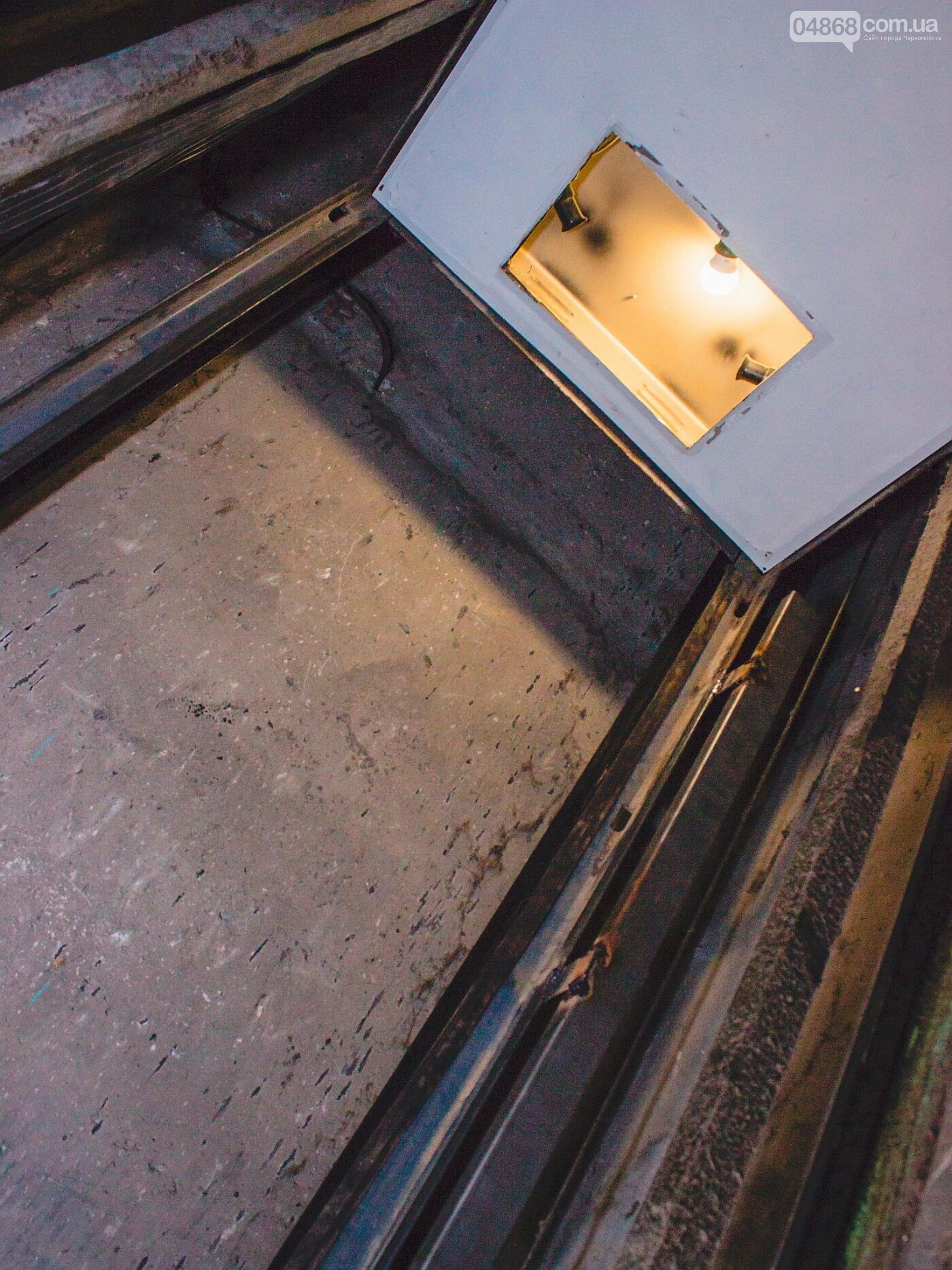 В Черноморске ремонтируют лифтовое оборудование, фото-2