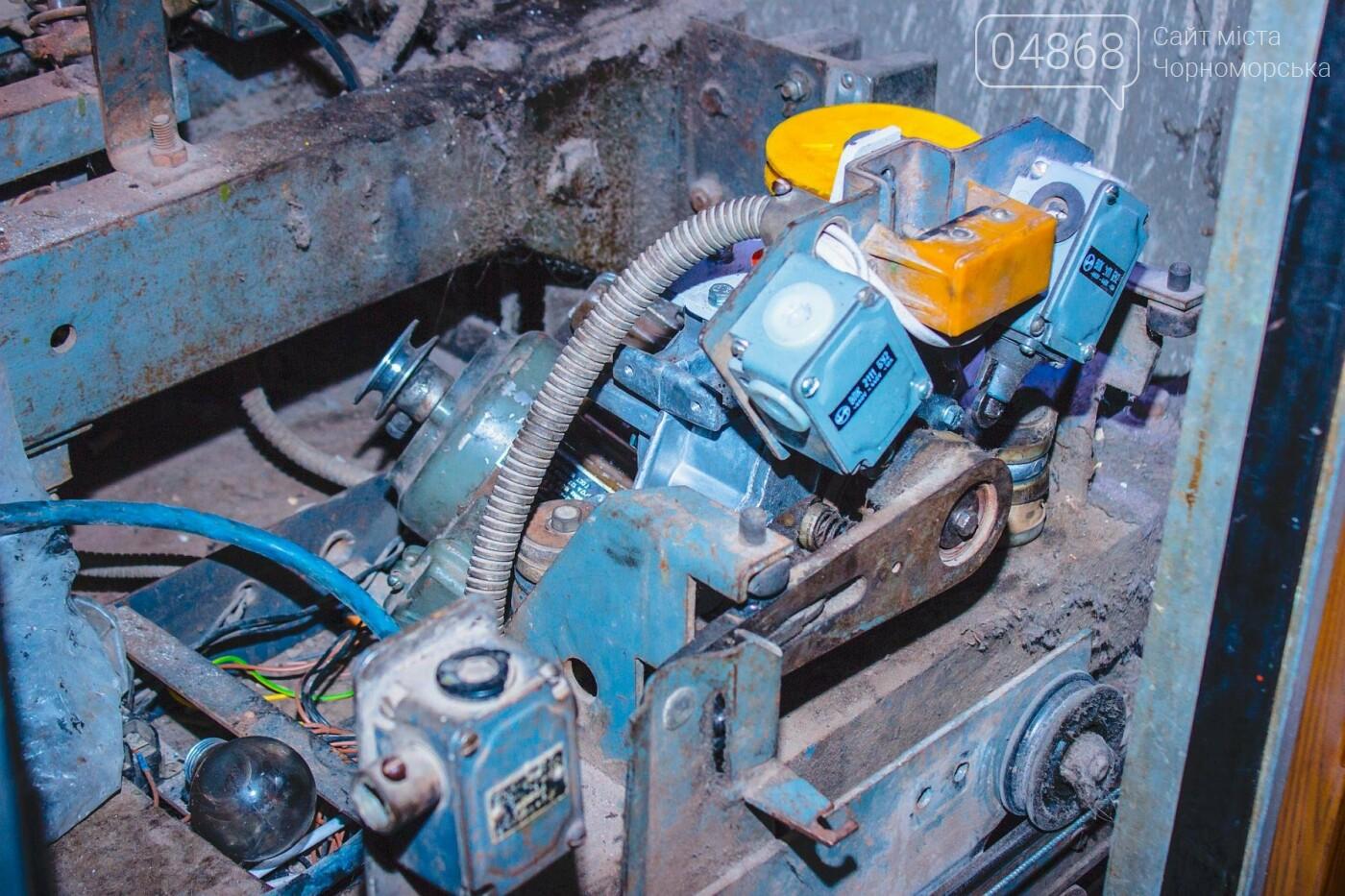 В Черноморске ремонтируют лифтовое оборудование, фото-7