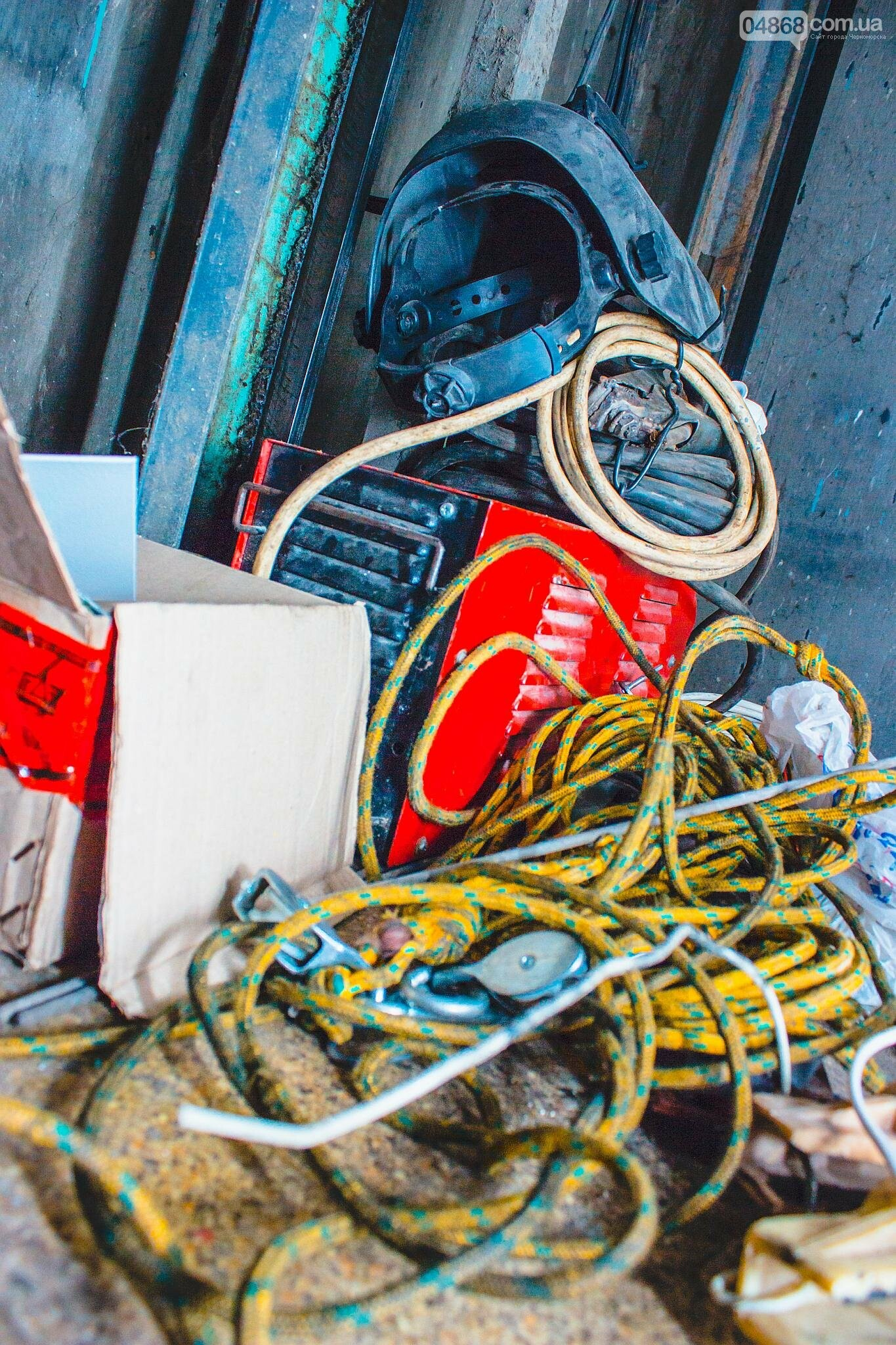 В Черноморске ремонтируют лифтовое оборудование, фото-3