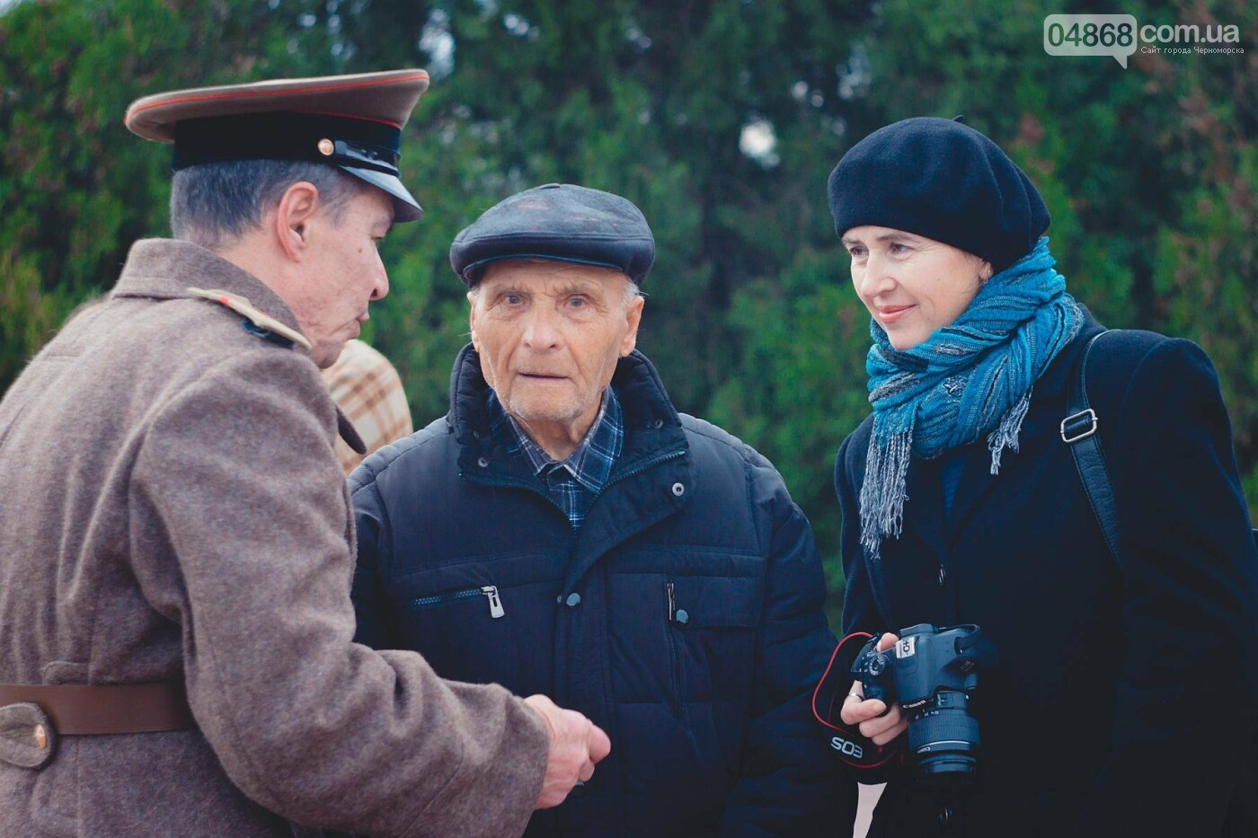 В Черноморске накануне Дня освобождения Украины прошло возложение цветов к Обелиску Славы, фото-2