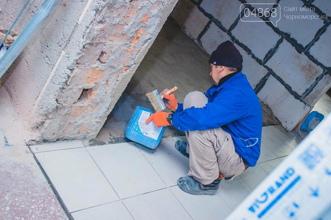В травматологическом отделении Черноморской больницы уже выполнена половина ремонтных работ, фото-2