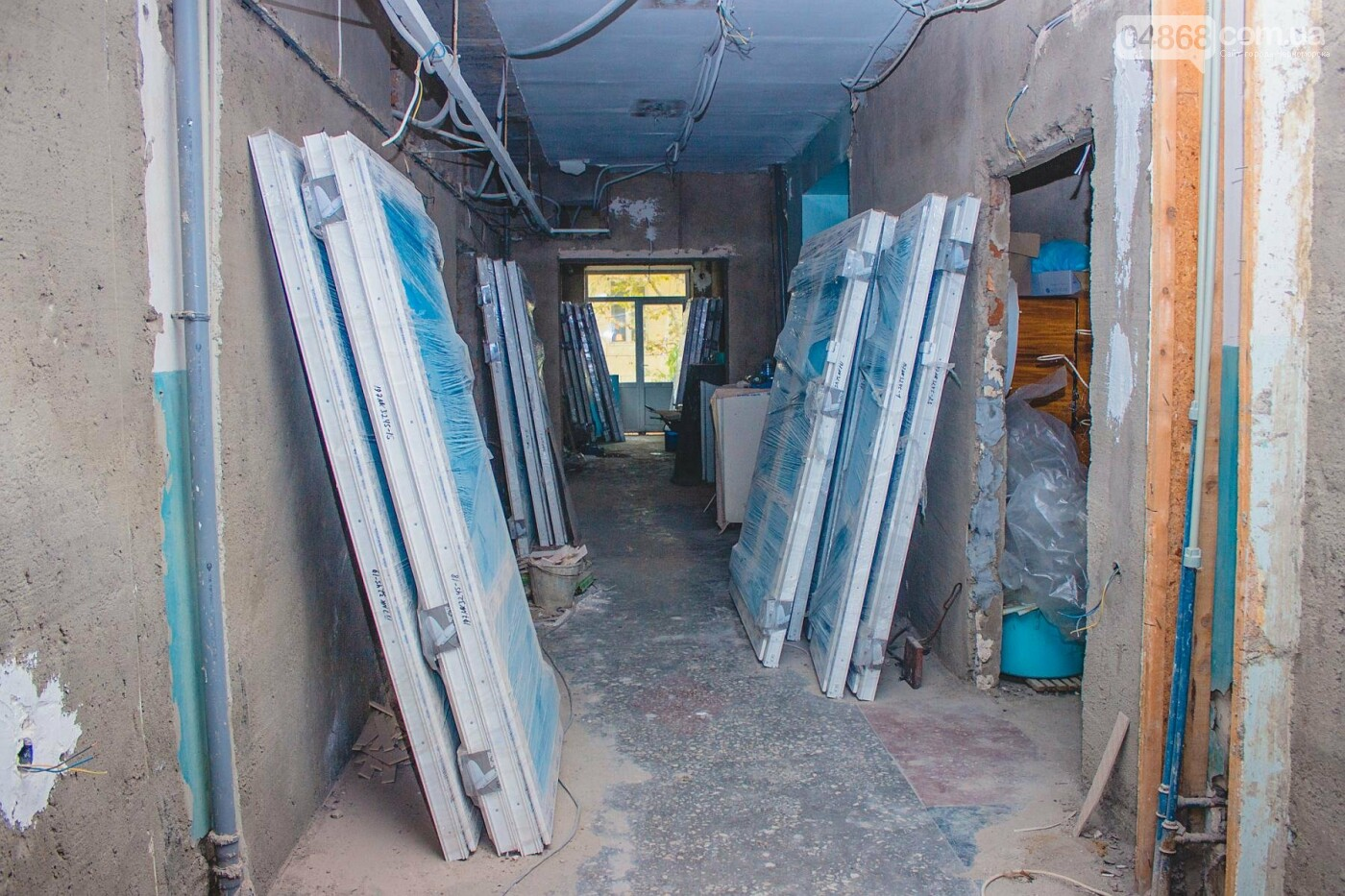 В травматологическом отделении Черноморской больницы уже выполнена половина ремонтных работ, фото-4