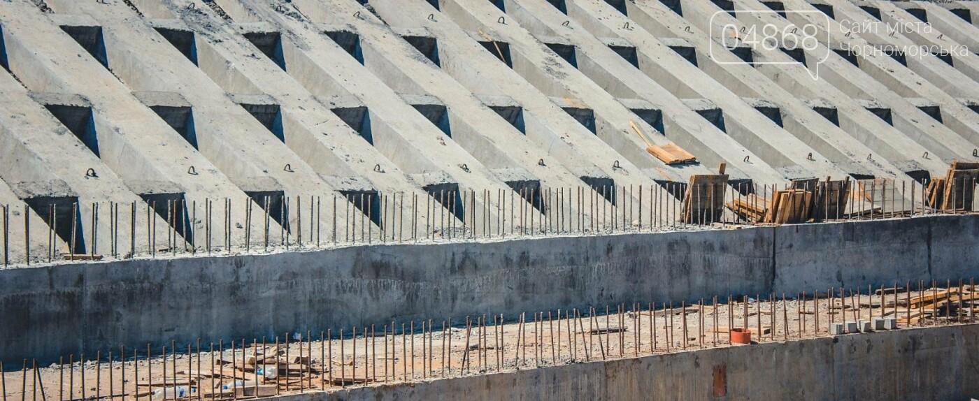 Берегоукрепительные работы в оползневой зоне Черноморска продолжаются, фото-1
