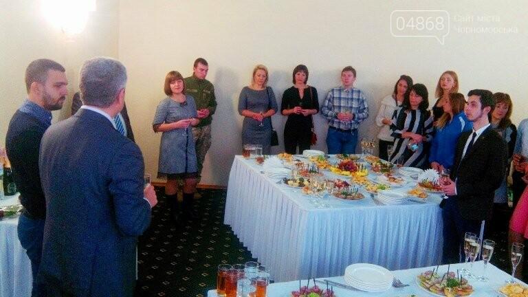 Четырём талантливым черноморцам вручили Премию облсовета (фото), фото-12