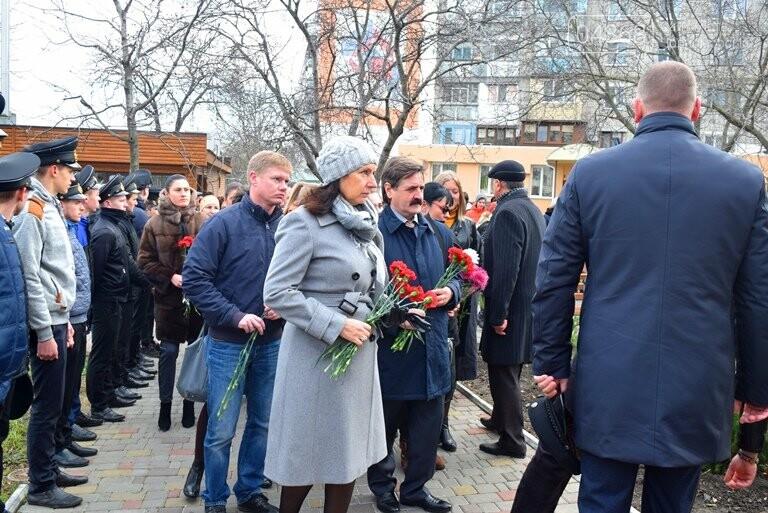 В Черноморске почтили память героев «Небесной сотни» , фото-7