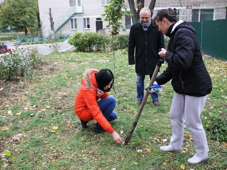 Проект «ЕсоТерапия»: Черноморск наполняют первоцветы, фото-10