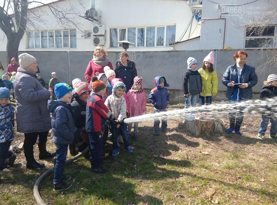Черноморские спасатели провели учения на территории учебно-воспитательного комплекса города, фото-5