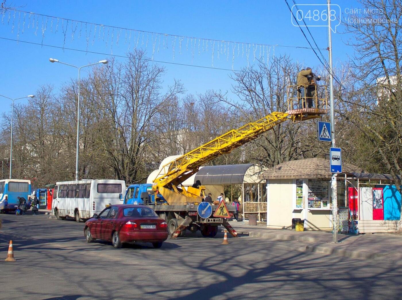 В Черноморске установили ещё 3 светодиодных подсветки пешеходных переходов, фото-4