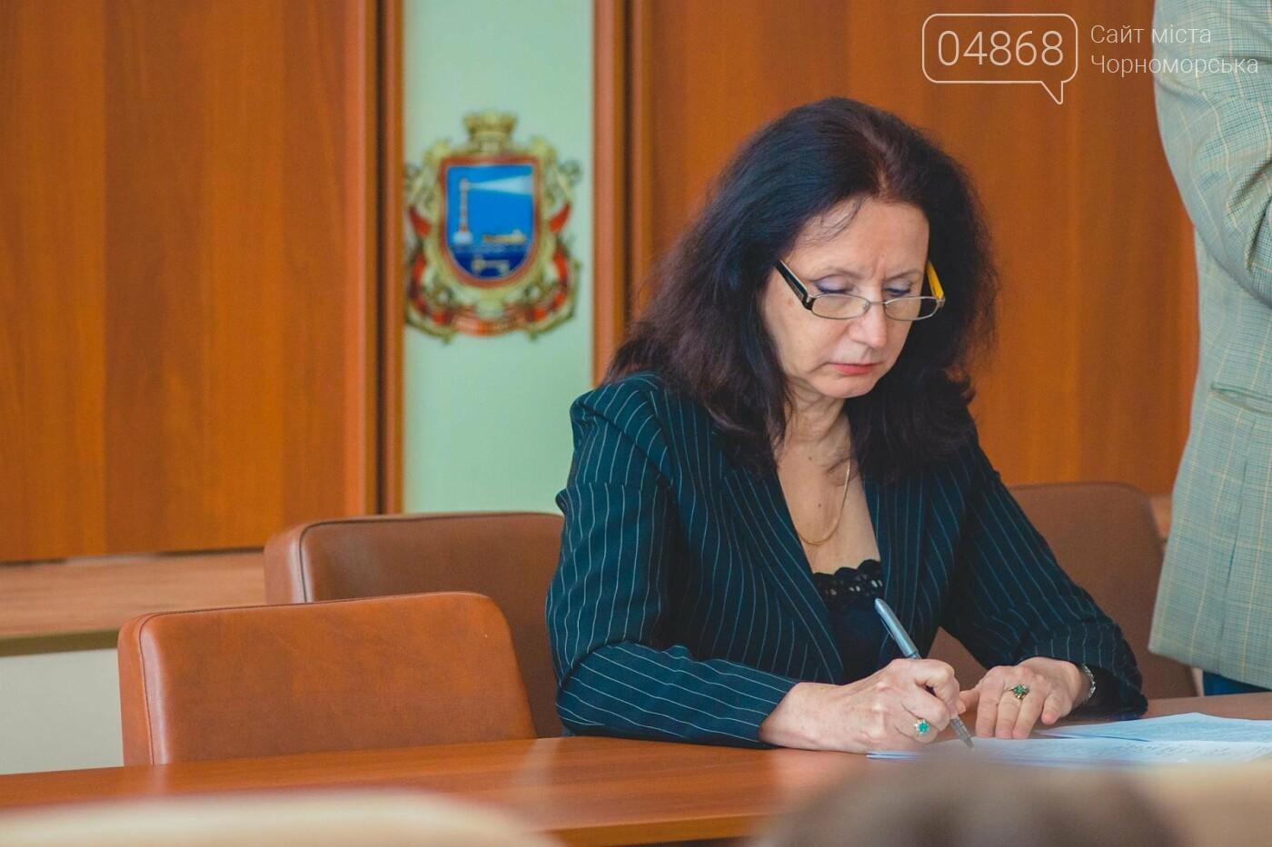 Предпринимателям Черноморска напомнили о новых правилах благоустройства, фото-11