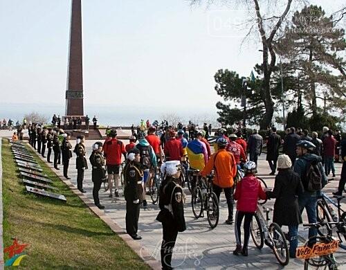 Участников «Одесской Велосотки» накормили ухой из Черноморска, фото-1