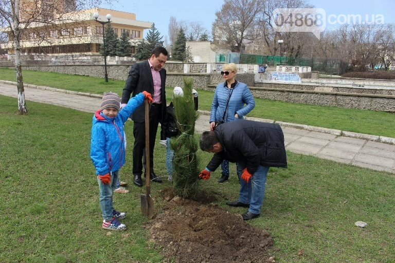 «Город-сад»: в Черноморске стартовала «зелёная инициатива», фото-4