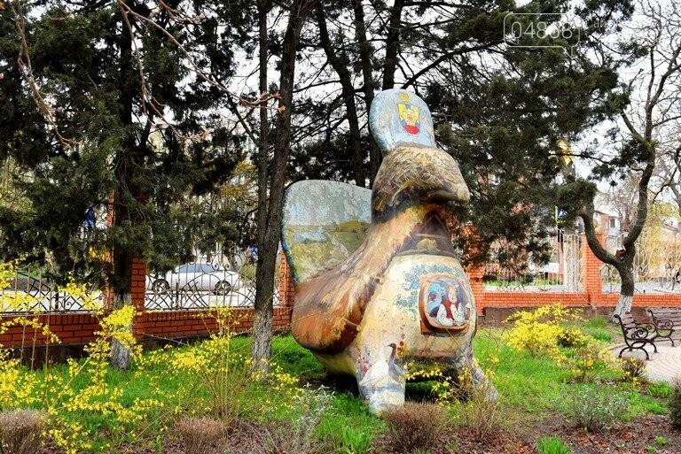 «Чудо-птицы» могут покинуть сквер у Дворца культуры, фото-1