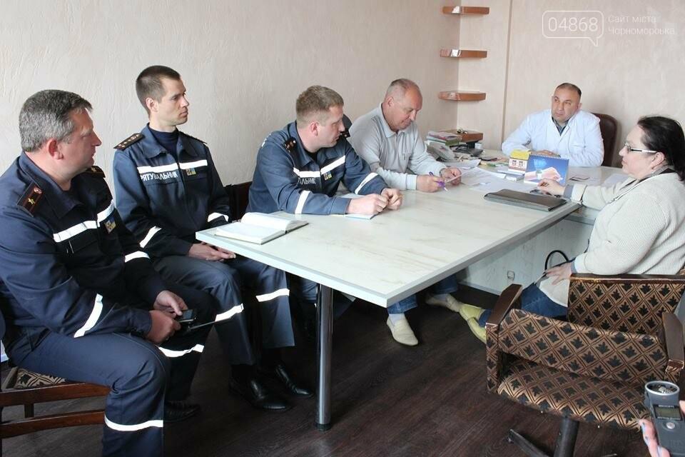 В Черноморской поликлинике тушили условный пожар (фото)), фото-2