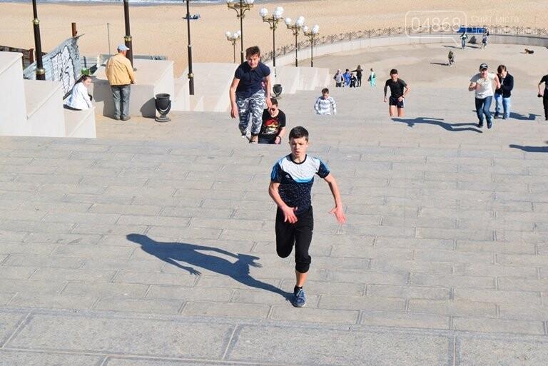 «А вы смогли бы?» В Черноморске провели легкоатлетический забег по Приморской лестнице, фото-23